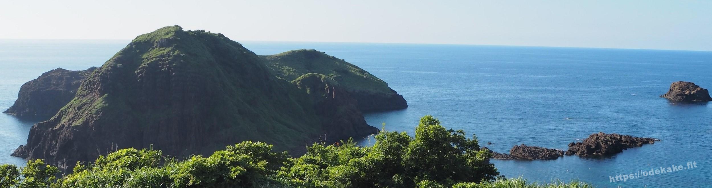 【佐渡】二ツ亀は超絶景で、よかったです!神々しい島×透明な海の写真集